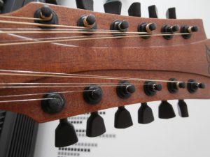 Guitare 12 Lag